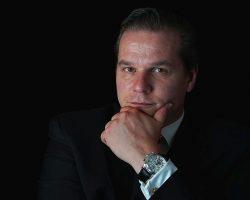 Dr. med. Emmanuel Morakis